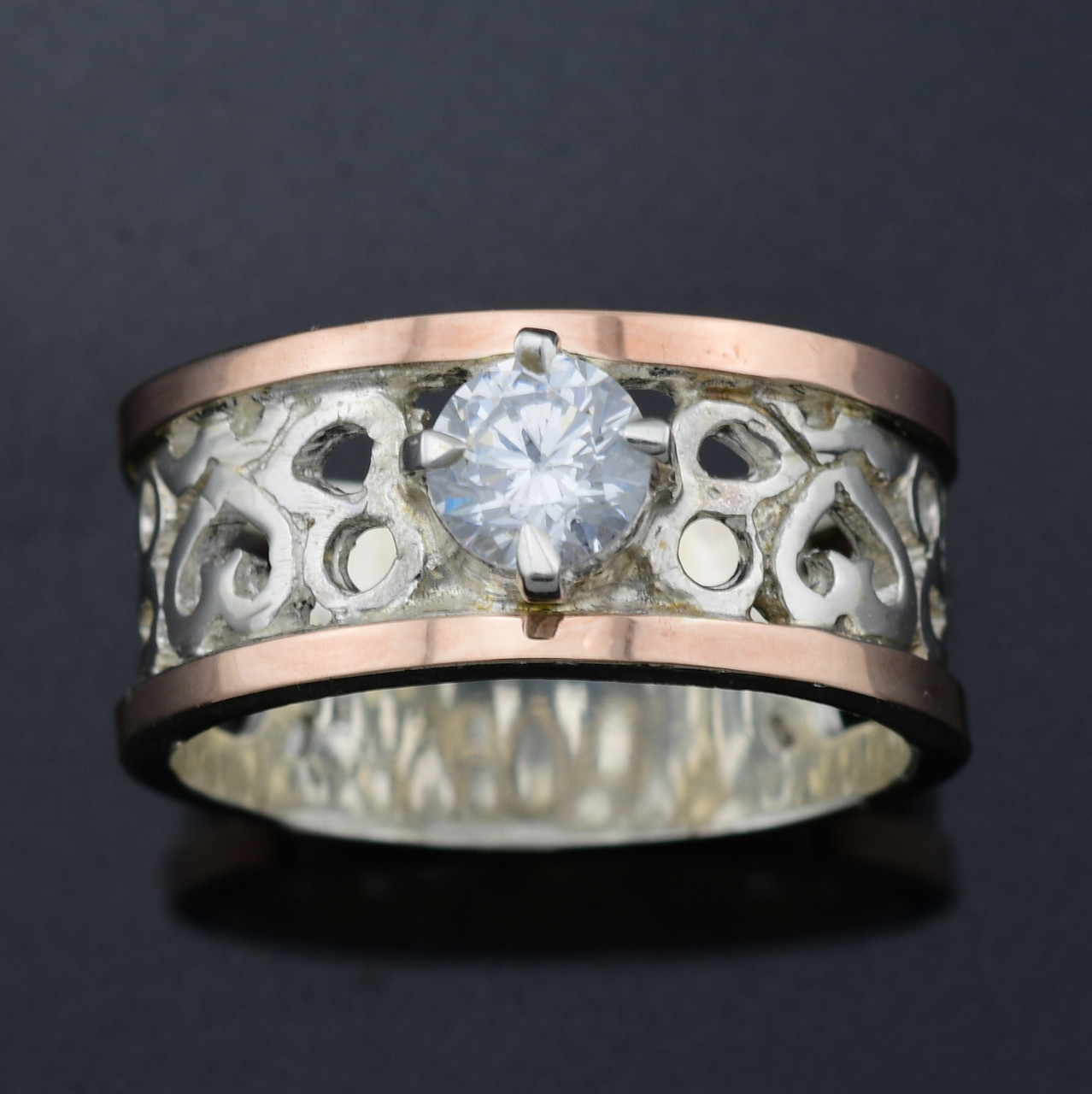 Серебряное кольцо с золотом Карина вставка белый фианит вес 7.0 г размер 19