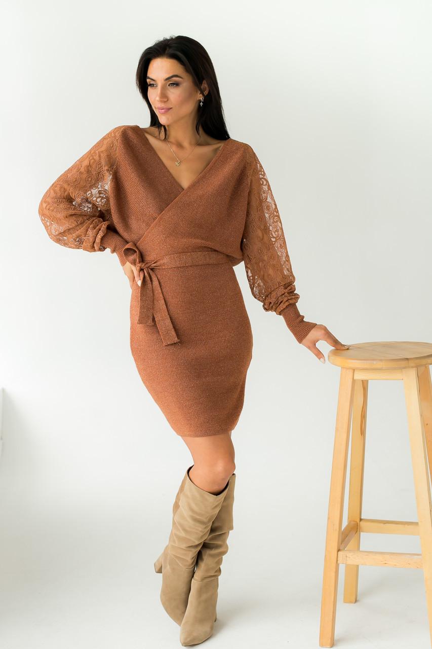 Платье теплое облегающее люрекс ажурные рукава Leatitia Mem - св-коричн цвет, M/L (есть размеры)