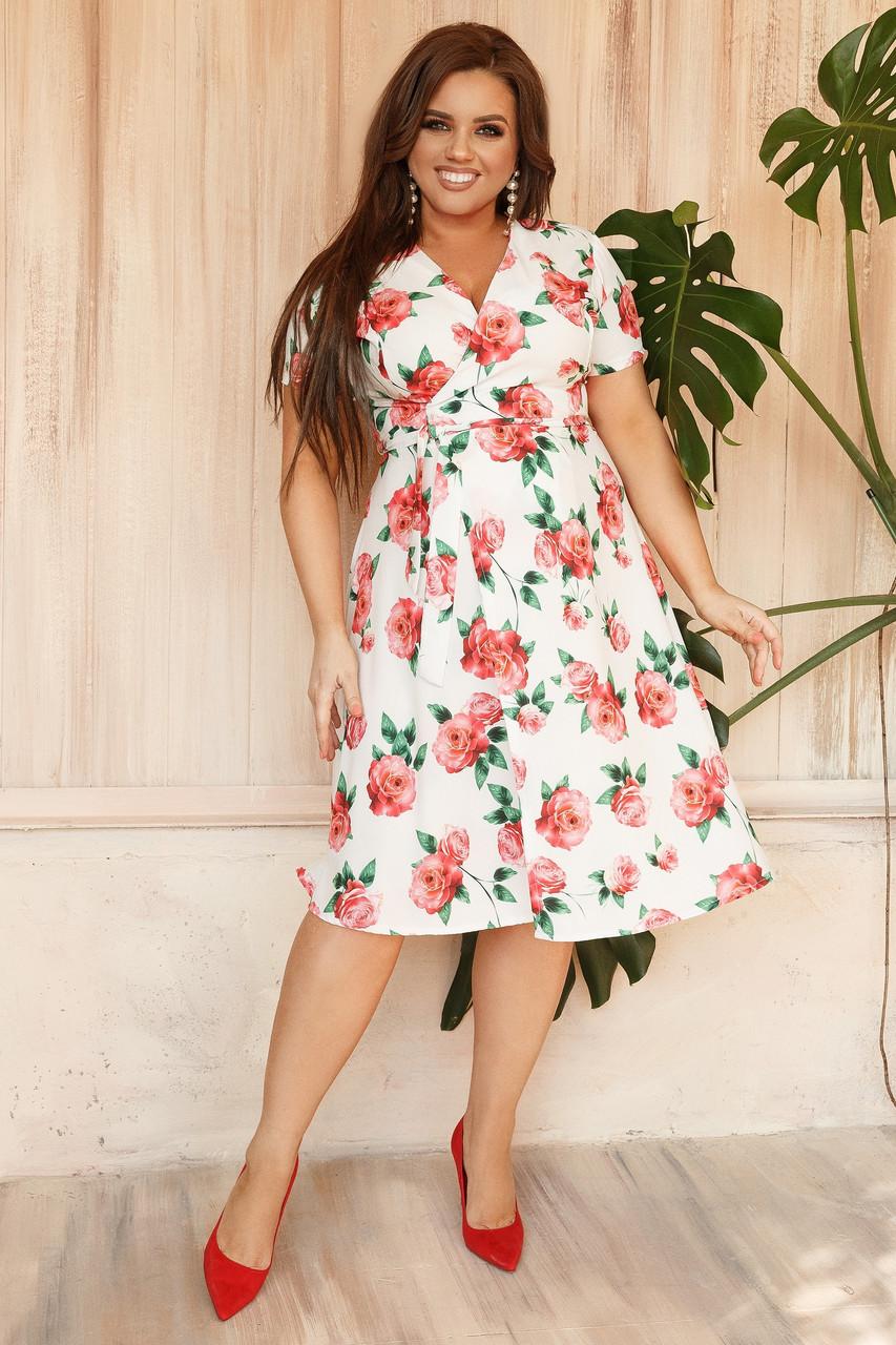 Летние платья на запах цветочный принт. Платье с запахом большого размера. Платья больших размеров с запахом белое в цветы. Коктейльное женское платье
