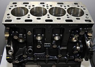 Блок циліндрів на Renault Trafic 2006-> 2.5 dCi (146 лз) — RENAULT (Оригінал) - 7701477101
