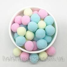 Разноцветные помпоны нежных оттенков 20 мм 20 грамм
