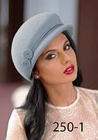 Оригинальная женская фетровая шапочка с козырьком