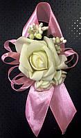 Бутоньерка роза для жениха, гостей, свидетелей розовая