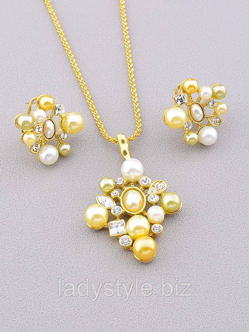 """Золотистий набір: сережки і кулончик на ланцюжку """"Перлинний"""""""
