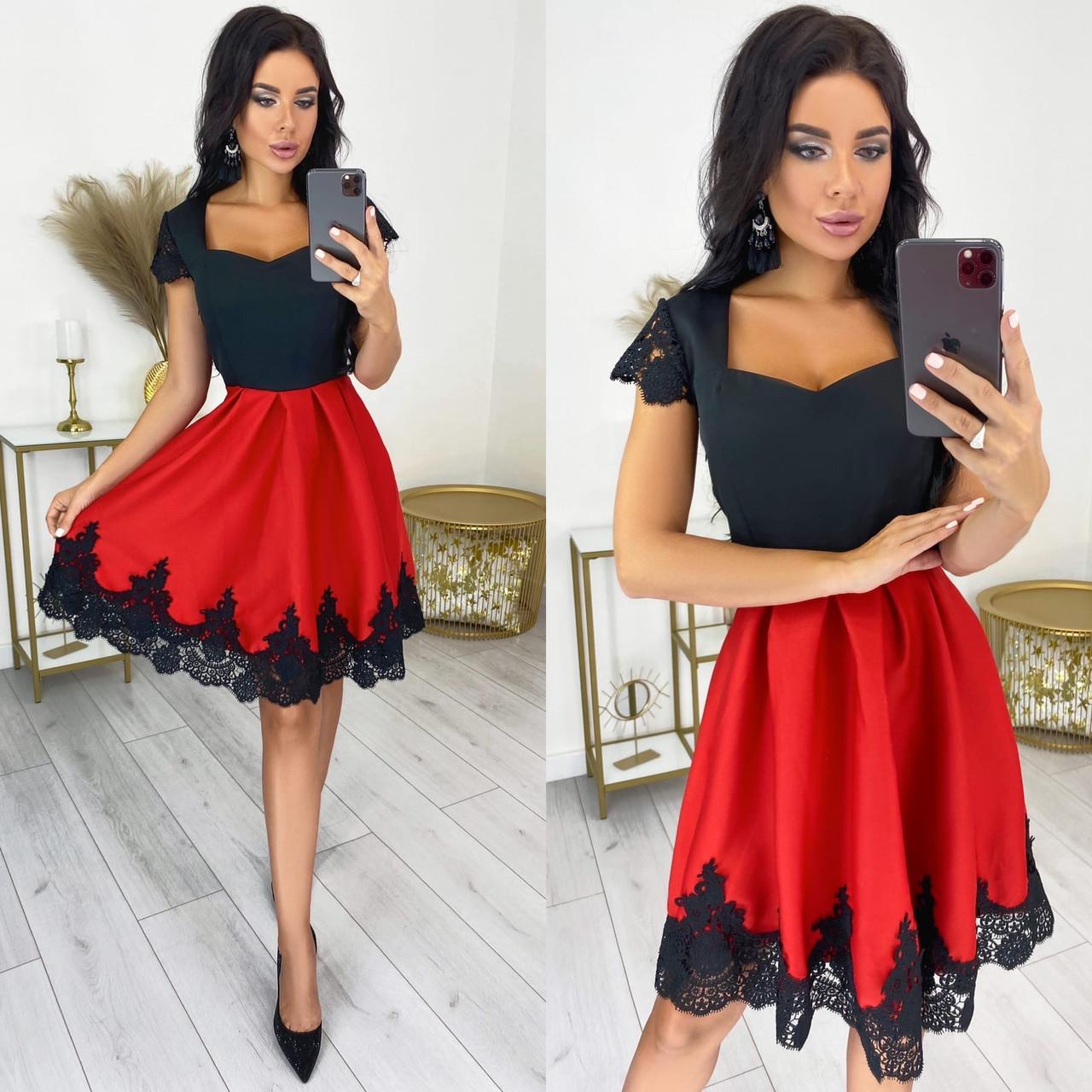Ошатне двоколірна сукня з мереживом
