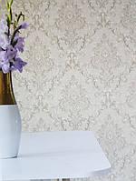 Обои виниловые на флизелине Grandeco Virtuoso метровые под ткань вензеля розетки серебром на серо бежевом фоне, фото 1