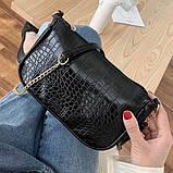 Женская сумочка на ремешке цепочке рептилия багет черная, фото 3