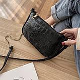 Женская сумочка на ремешке цепочке рептилия багет черная, фото 4