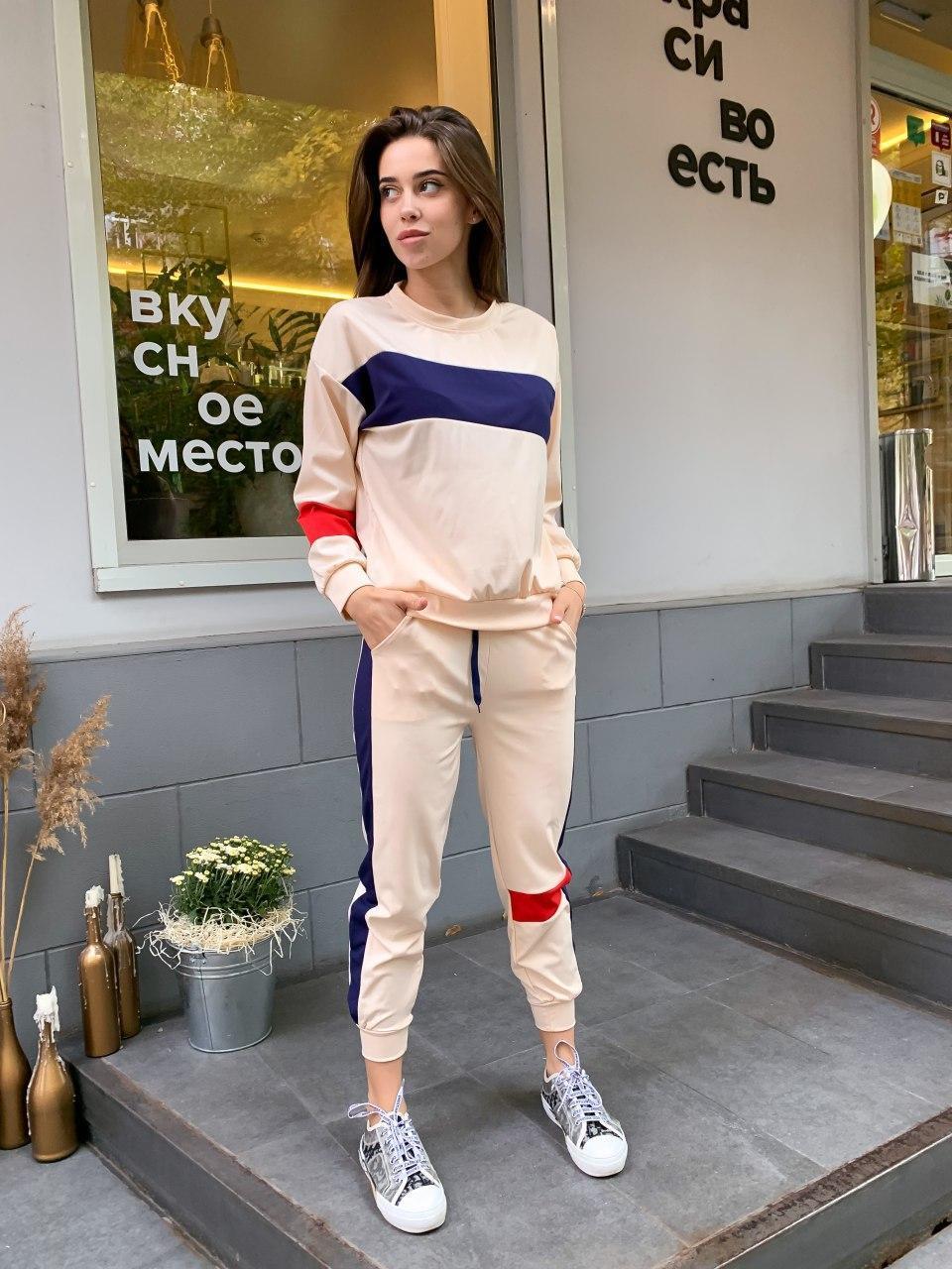 Женский спортивный костюм с укороченными штанами на манжетах и свободной кофтой (р. 42-44) 78051088