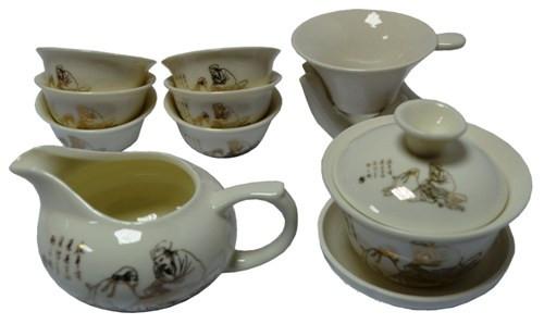 Чашки і чайні набори з порцеляни