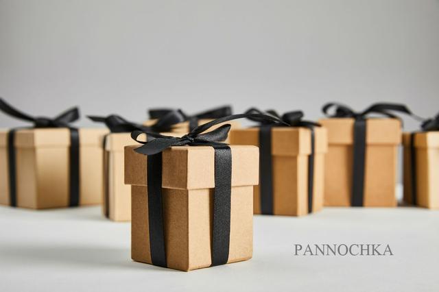 Упаковка картонная для подарков и товаров