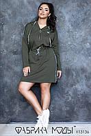 Cпортивное платье с капюшоном прямого кроя, длинными рукавами в батальных размерах 1BR788, фото 1