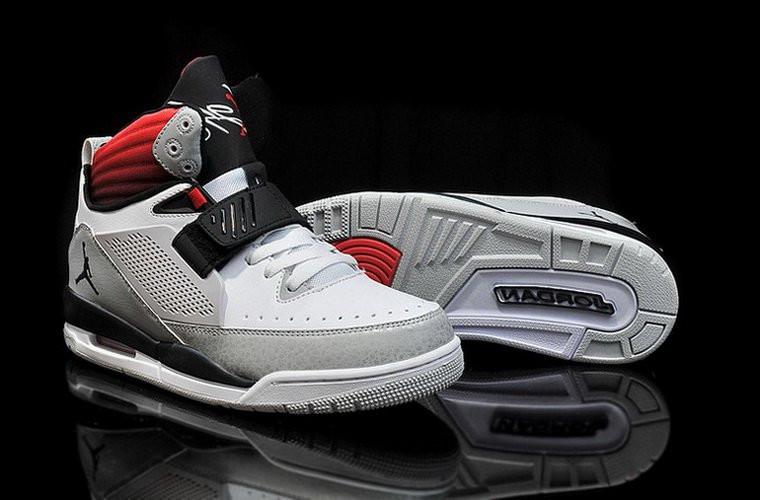288bb705b5d7af ... Кроссовки баскетбольные Nike Air jordan Flight 97 кожаные серо-красные  , фото 3