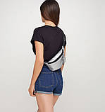 Модная женская напоясная сумка бананка бежевая телесная на пояс, через плечо кожзам, матовая экокожа, фото 10