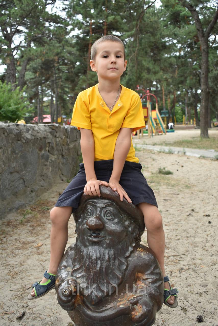 Желтая футболка на мальчика застежка-кнопка