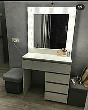 Туалетный столик с зеркалом 800*800 мм