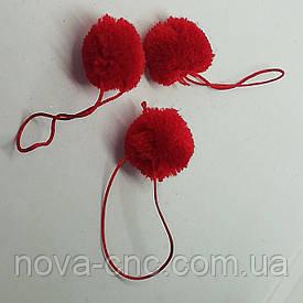 Помпони імітація хутра для творчості 25 мм червоний з шнурком Упаковка 20 штук