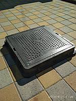 Люк квадратный средний чёрный с замком В125
