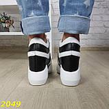 Сникерсы кроссовки на высокой платформе с танкеткой на липучках белые с черным, фото 4