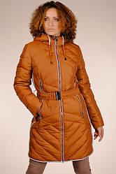 Теплий жіночий світло-коричневий натуральний стьобаний пуховик на гусячому пуху з капюшоном SNOW CLASSIC знижка