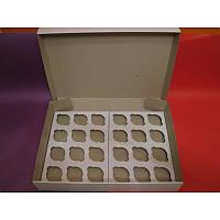 Коробка з мікрогофри на 24 капкейка. Розмір 350*500*90 мм.