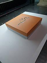 Картонные коробки с печатью для нижнего белья и одежды. 23х23х6см