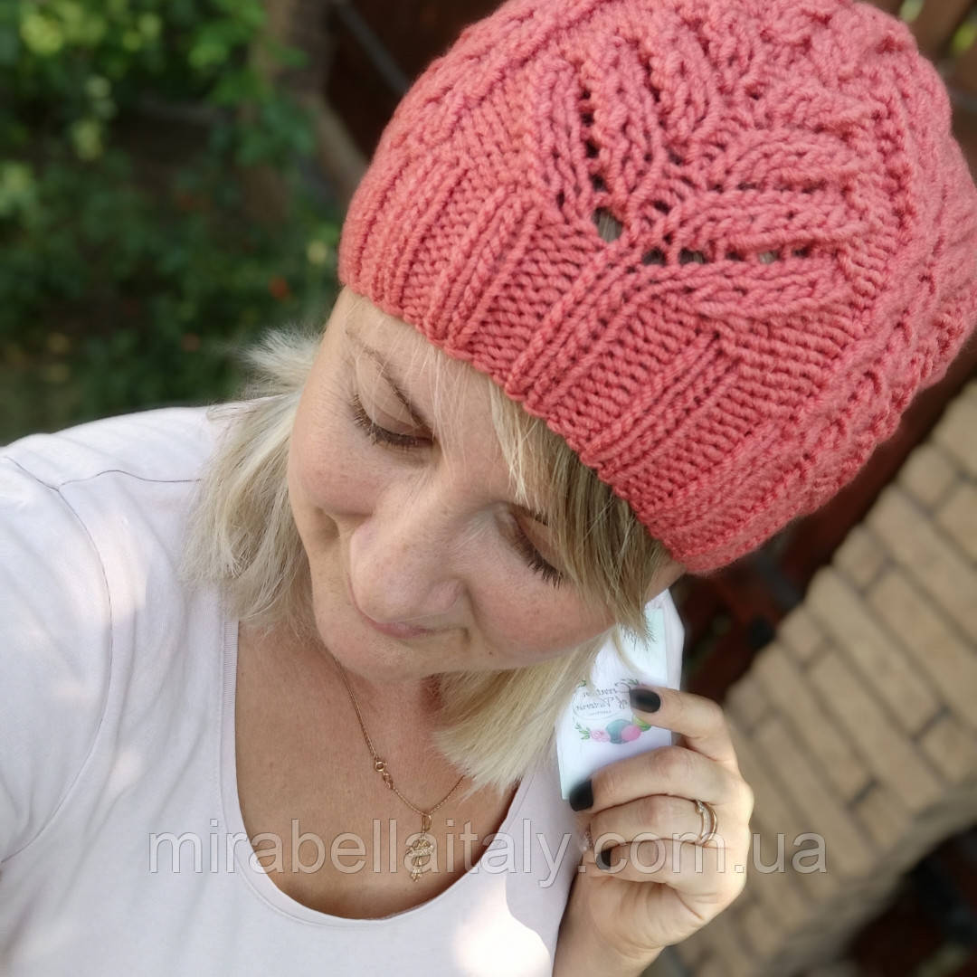 Ажурная женская шапка