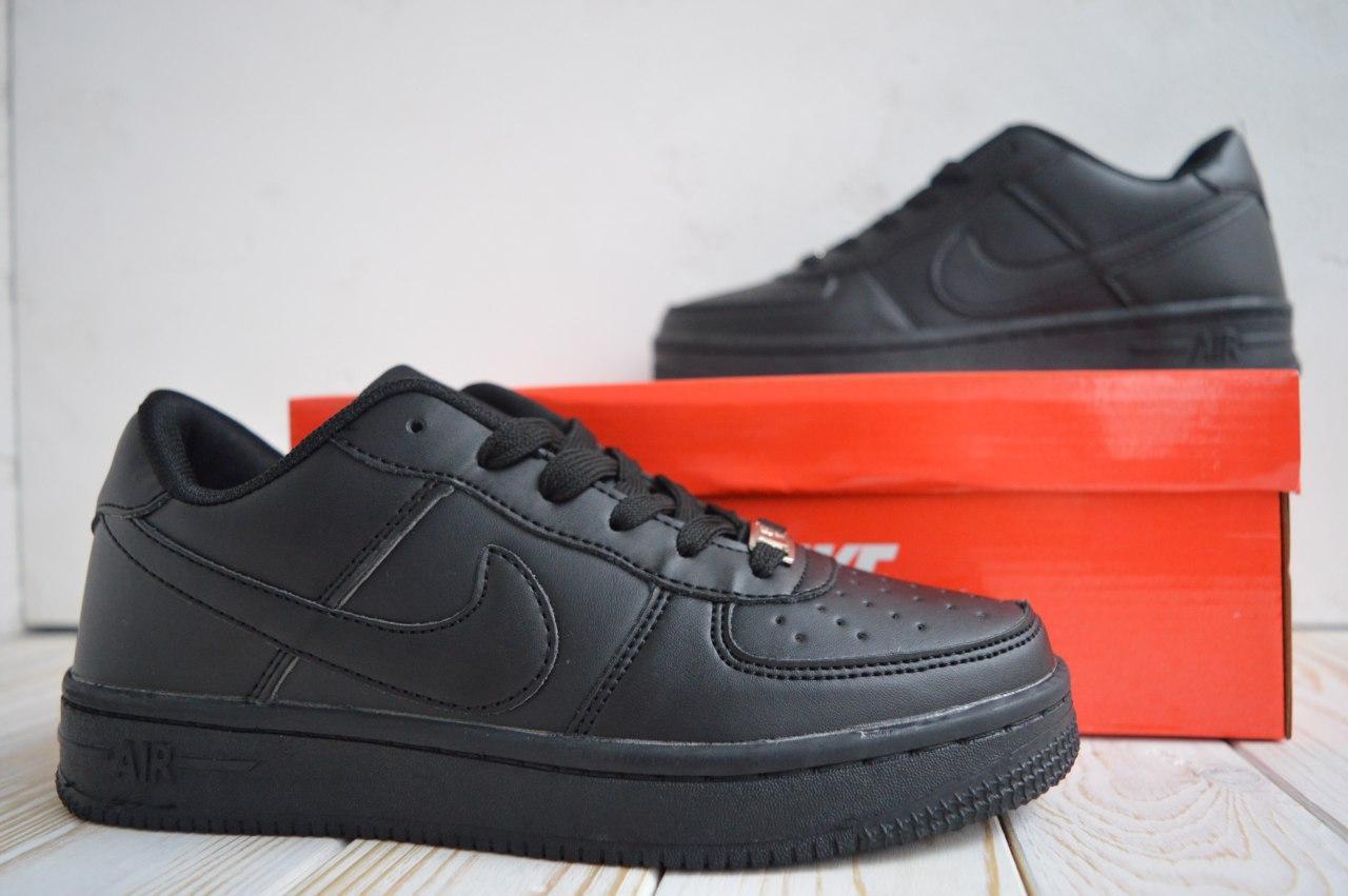 Nike Air Force  Женские осенние черные кожаные кроссовки. Женские кроссовки на шнурках