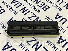 Вентиляционная заслонка сзади Mercedes S212 A2128300142