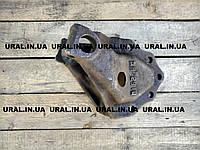 Кронштейн передней рессоры левый 375-2902445-Д