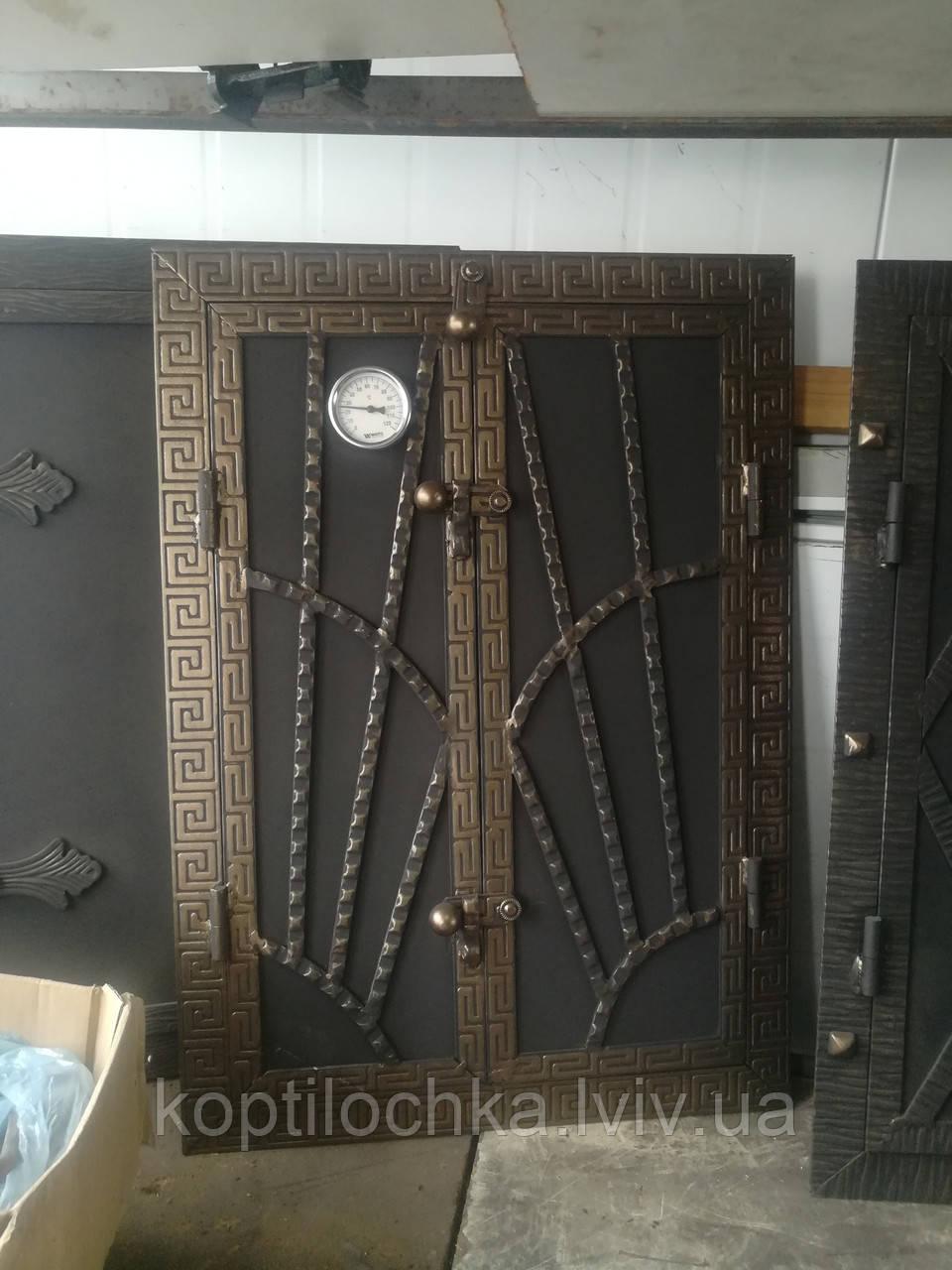 Дверка на коптильню утеплена 40x60 з градусніком