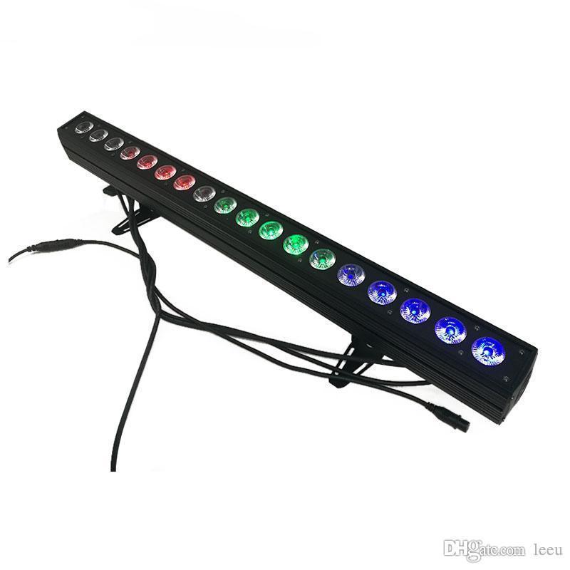 Аренда линейного светодиодного прожектора RGBW.