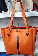 Женская молодежная оранжевая сумка Dior из турецкой эко-кожи на молнии с отделениями по бокам 32*30 см