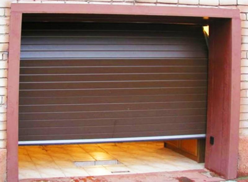 Ворота гаражные(секционные) 2500*2250 Алютех серии TREND.