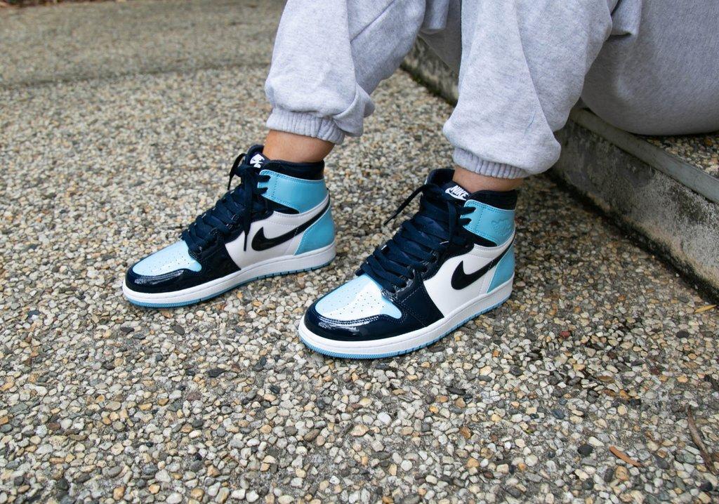 Кросівки жіночі Nike Air Jordan High OG Chill Blue в стилі найк джордан Сині (Репліка ААА+)