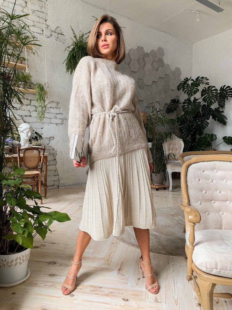 Жіночий костюм молоко спідниця+светр