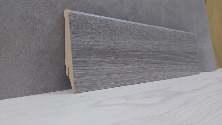 Плинтус МДФ напольный Дуб Сонома Серый 21*80*2800мм., матовый