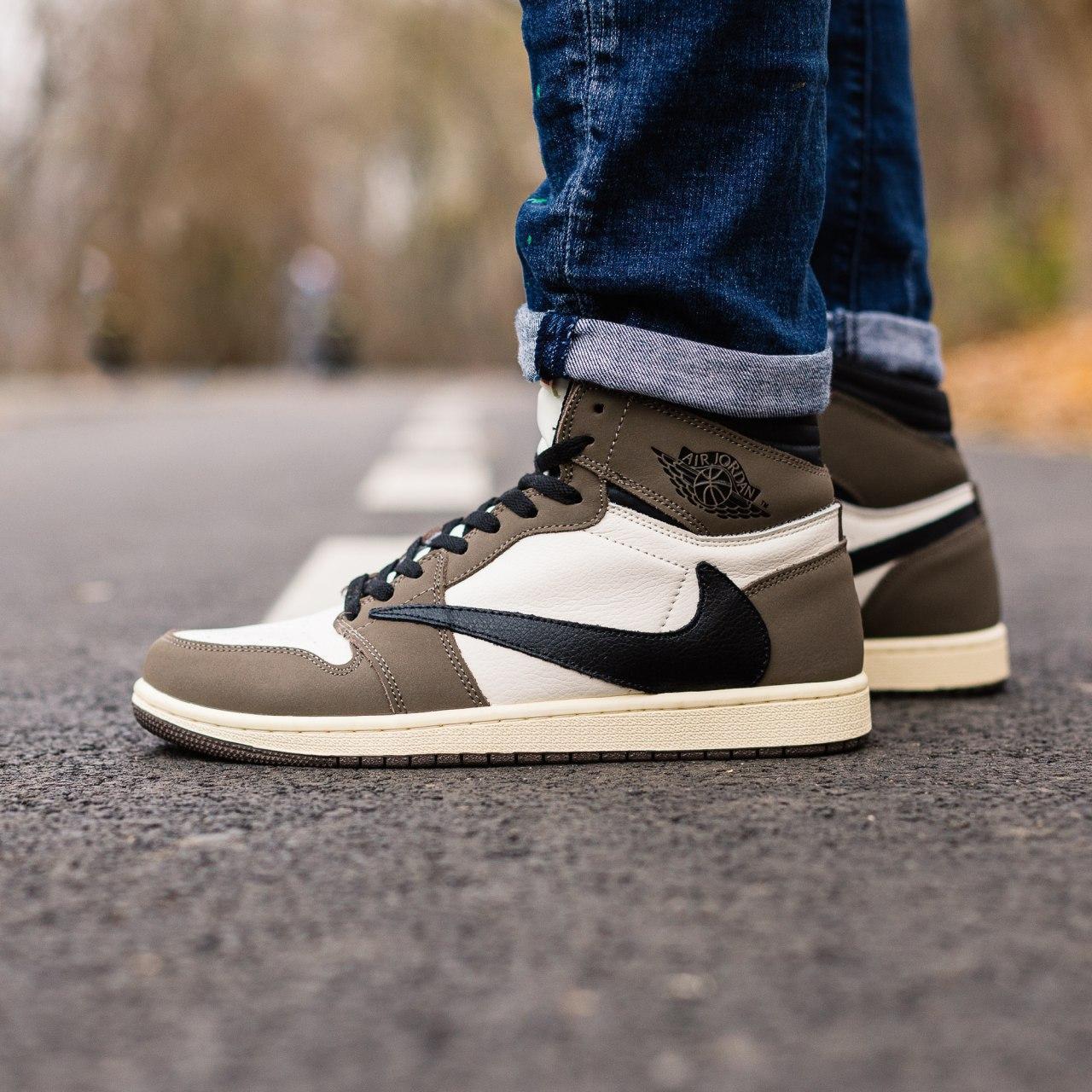 Мужские кроссовки в стиле Nike Air Jordan 1 Retro x Travis Scott (brown/white), Найк Джордан (Реплика ААА)