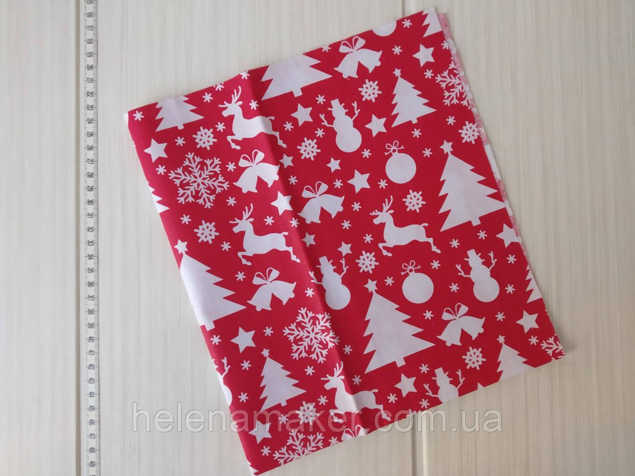Новогодний отрез бязи красного цвета  50*50 см