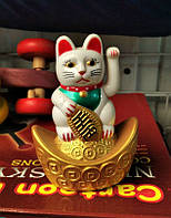 Манэки неко (кіт щастя, вабливий кіт) фен - шуй, висота 9 см, працює від батарейки