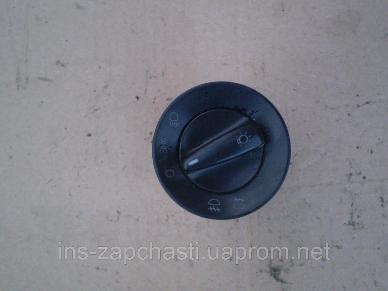 1C0941531AПереключатель многопоз. для стоян. света и светафар, передн. и задн. противотум. фар SEAT VOLKSWAGEN