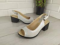 Босоножки женские белый сатин на каблуке, сандалии летние, босоножки из натуральной кожи. Украина