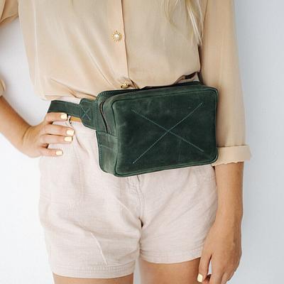 Жіноча шкіряна сумка на пояс зеленого кольору. Жіноча сумка з натуральної шкіри. Жіноча сумка на пояс
