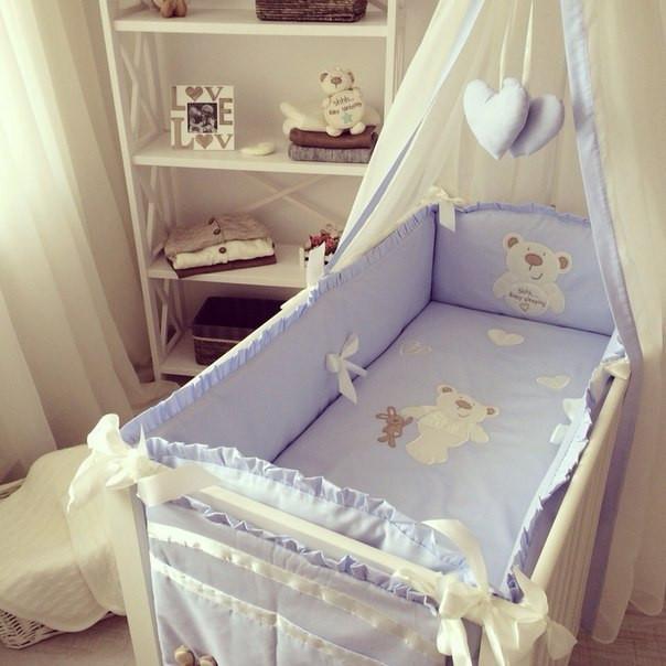 ПОСТЕЛЬНЫЕ КОМПЛЕКТЫ и принадлежности в детскую кроватку