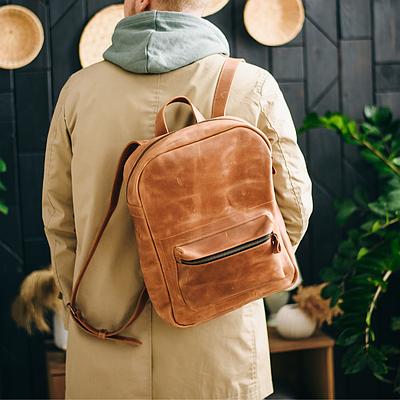 Чоловічий рюкзак з натуральної шкіри коньячного кольору. Чоловічій шкіряний рюкзак. Чоловічий рюкзак