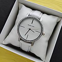 Женские кварцевые наручные часы Michael Kors на ремешке, белые с белым циферблатом - код 1695, фото 1