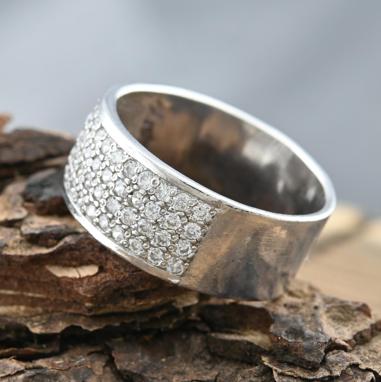 Серебряное кольцо Пассаж вставка белые фианиты вес 4.8 г размер 19