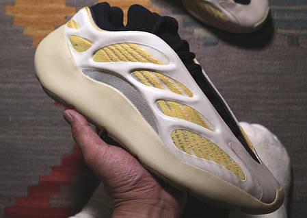 """Кросівки Adidas Yeezy Boots 700 v3 Srphym """"Жовті"""", фото 2"""