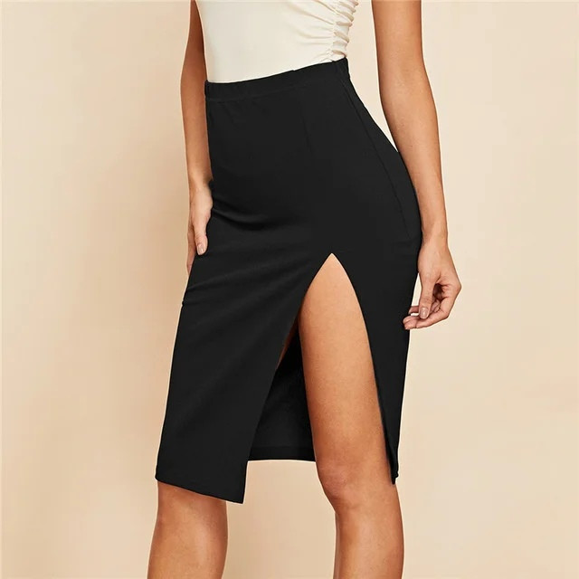 Женская эффектная юбка до колен с глубоким вырезом на ноге