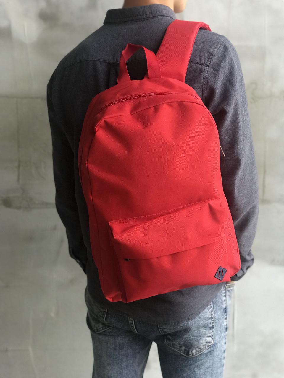 Красный спортиный рюкзак